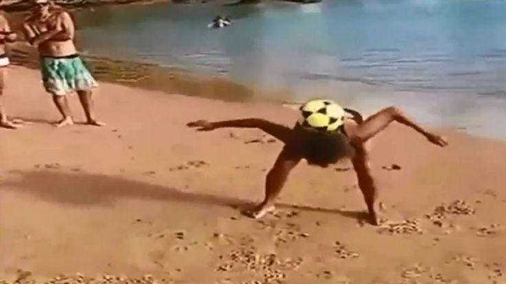 Ketika Bola Dikuasai Emak2, Begini Jadinya...
