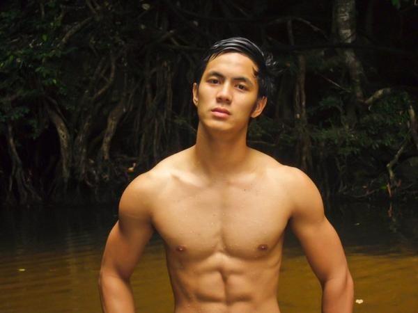 schöne schwule asiatische Männer