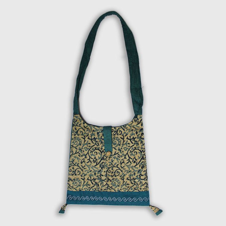 Beautifully hand-crafted Kalamkari Godavari handbag stitched in premium quality.