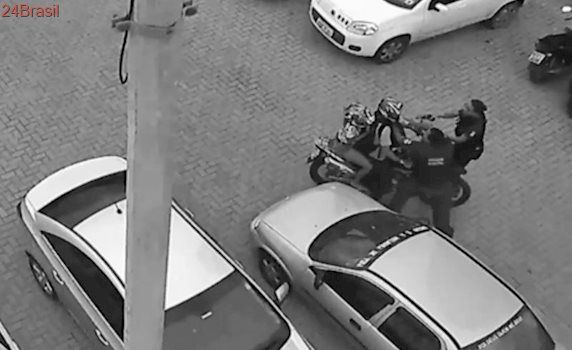 Casal é preso por arrombar carro ao lado de módulo da Guarda Municipal