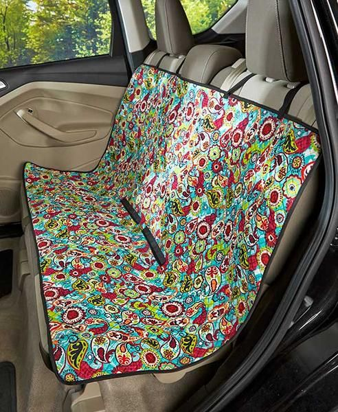 The Quilted Car Seat Cover minimizes the amount of dirt and pet hair where you and your passengers sit. This easy-to-install, adjustable cover features 2 fabric
