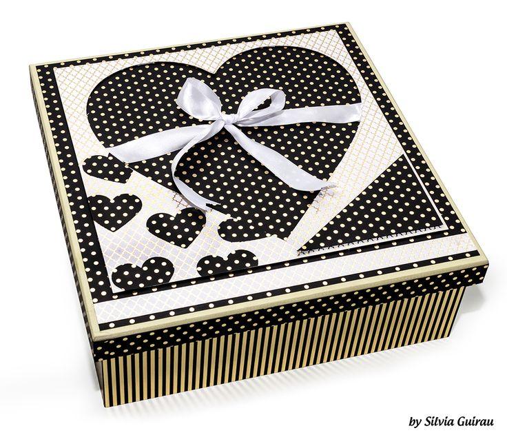caixa decorada com coleção de papéis metalizados foil