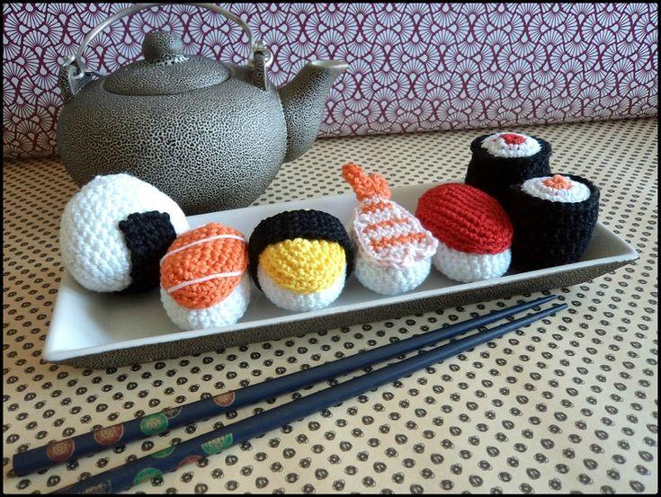 Repas japonais au crochet: sushis, makis, onigiri Cam&Drey bricolent...