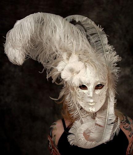 Venezia Volto Feather Masquerade Mask