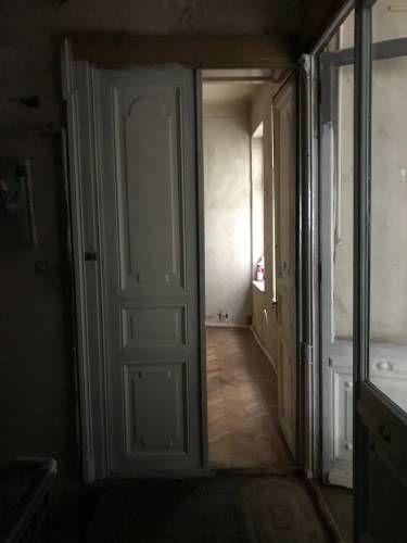 Apartament 2 camere, zona Kogalniceanu, etaj 1/2, acces din bulevard, cladire fara risc seismic, ideal investitie. Parcul Cismigiu se afla la 400 mp, supermarket in zona, facultati.  https://maxhome.ro/wp-content/uploads/2018/01/-maxhome.ro-Anunturi-Imobiliare-gratuite-_img-7679.jpg     Mai multe detalii maxhome.ro