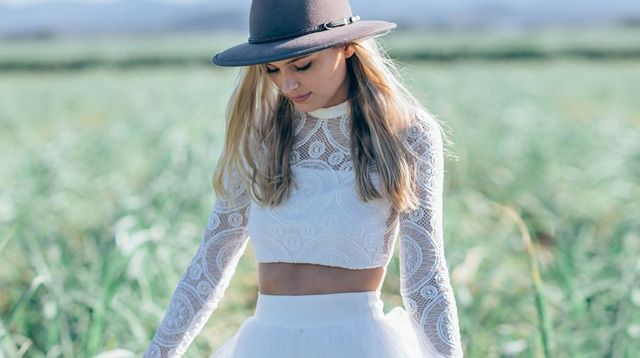 10 Unconventional Dresses For The Hipster Bride
