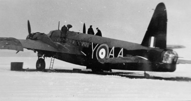 Vickers Wellington R1162, AA-Y, 75 (NZ) Squadron. New Zealand Bomber Command Assn. archive / Ron Mayhill.