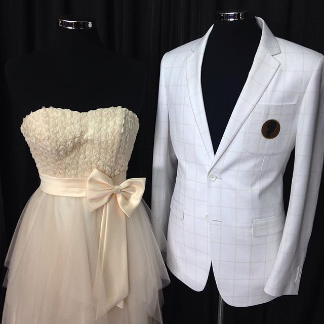 School formal discount for all students 30% Off #dresses & #suits for all #boys & #girls #prom #dinner #dance #disco #party #lenakasparian