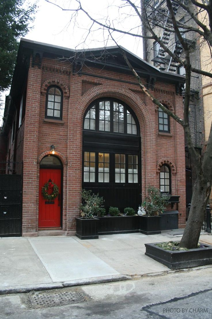 Brownstone Homes | Black trim Red Door | Exterior Brownstone Homes