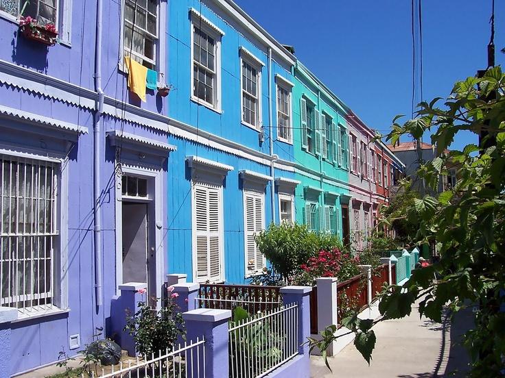Colourful houses in Valparaiso near Pasaje Templeman.