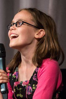 Oona Laurence Actress FROM 2016 PETE'S DRAGON---