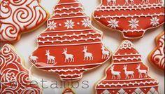 Video tutorial molto chiaro per imparare a decorare i Biscotti di Natale con la ghiaccia reale rossa e bianca.