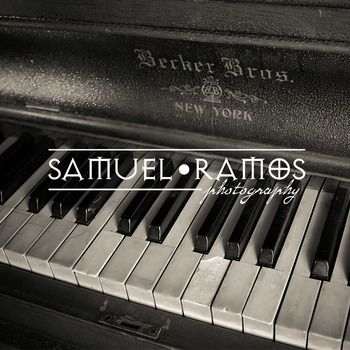 STOCK PHOTOS: Vintage Piano TITLED: Vintage Piano PHOTOGRAPHER: Samuel Ramos FORMAT: JPEG SIZE: 5184x3456 [7.7 MB] ***INSTANT DOWNLOAD*** The purchased file will be of high resolution and will not include the preview watermark. Keywords: keys, keyboard, music, piano, white & black keys, vintage, old piano, image, photography