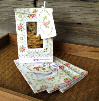 Each heavy duty bag is greaseproof with a beautiful vintage floral pattern and features a window in front to showcase your treats. Complete the look with the included scalloped gift tag and a miniature white clothespin clip