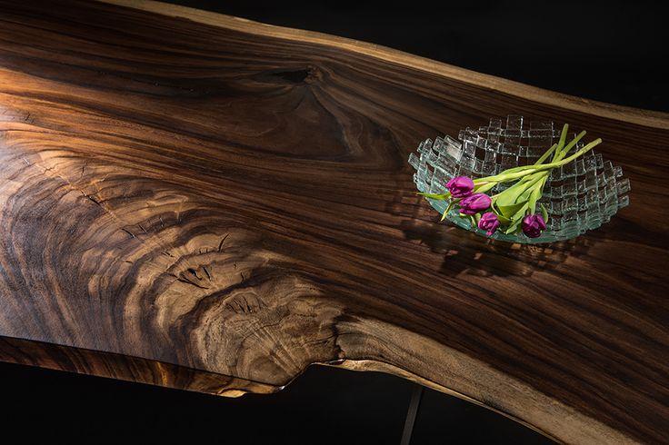 wood slab table- wood pattern beauty of Parota wood