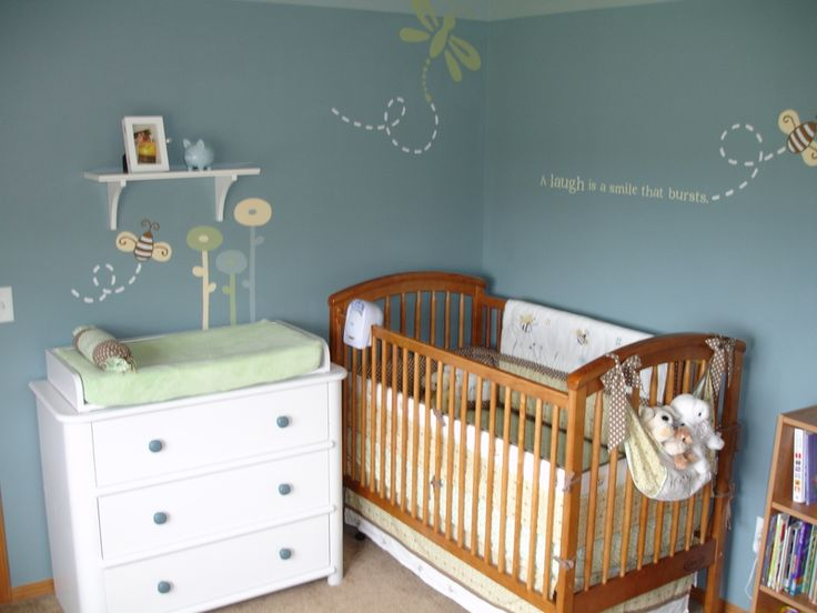 OK, so someday if we have a girl I want to do gray walls, with yellow bumble bees, and bright pink and orange flowers :)