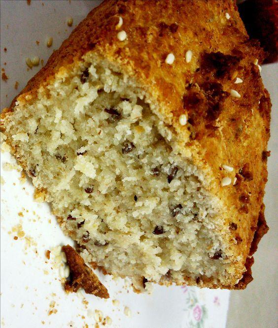 Receitinha delícia de pão sem glúten, sem leite, soja ou açúcar refinado e cheionho de bons ingredientes, cheios de nutrientes. Confira no blog!