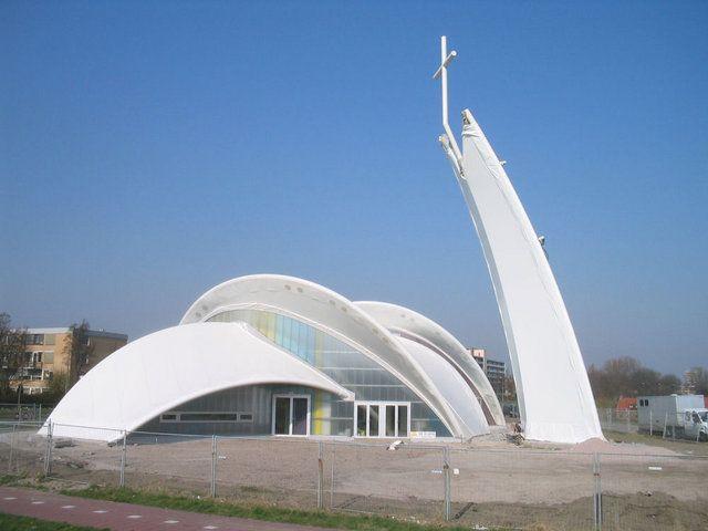 Nowoczesna Architektura Kościołów
