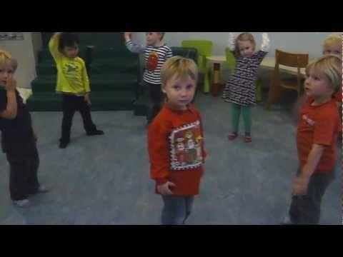Peuteryoga bij Kinderdagverblijf Het Speeldorp in Bunnik - YouTube