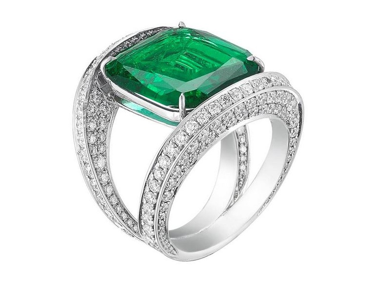 The completed Emerald and Diamond Pave Ring