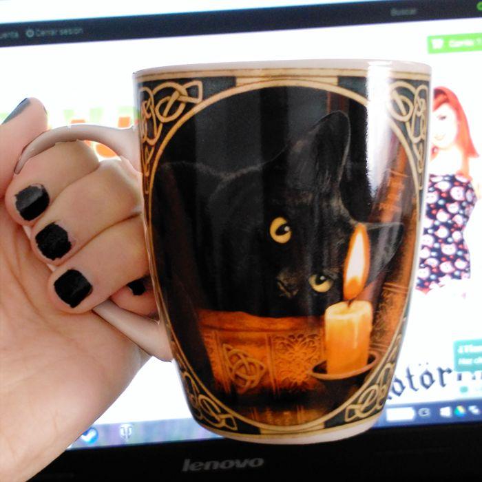 Taza de café con #gato negro. #cats #xtrem