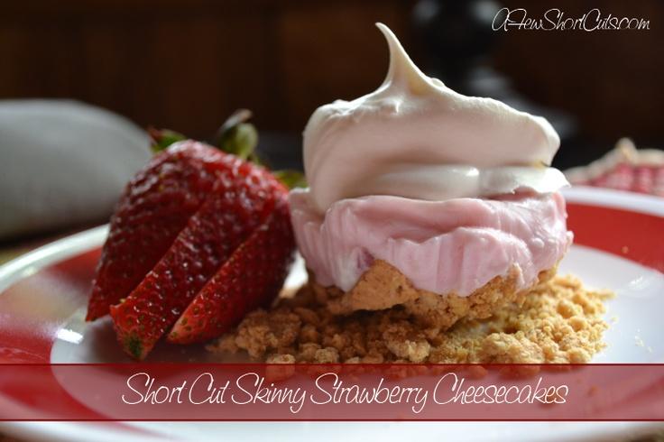 """Skinny Strawberry """"Cheesecake."""" Graham crackers, strawberry greek yogurt and cool whip."""