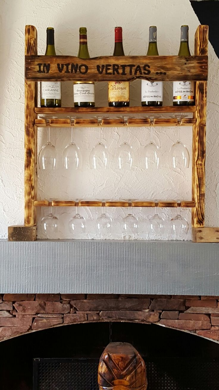 Les 45 meilleures images du tableau bois et palettes sur pinterest bois bricolage et id es - Porte bouteille palette ...
