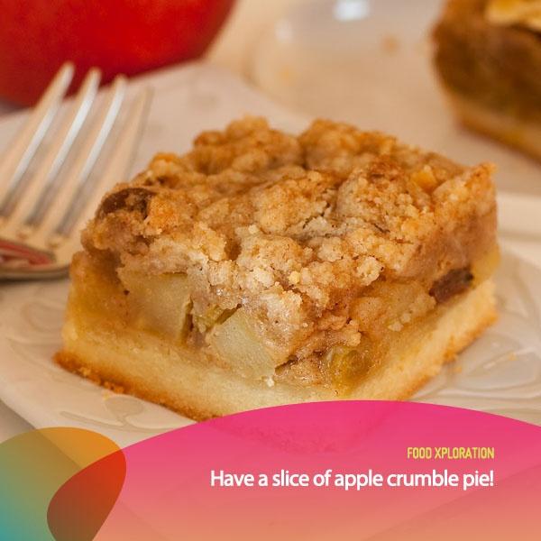 Apple Crumble Pie adalah dessert dengan bahan utama buah apel, kadang dihidangkan es krim dingin potongan pisang di dalamnya. Cocok untuk menjadi hidangan penutup kamu nih!