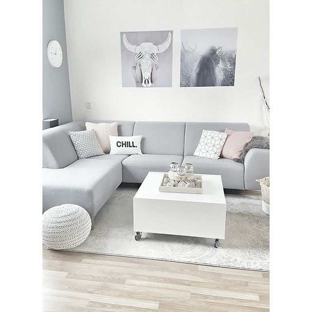 Goodmorning! Woensdag alweer... Have a nice day ♡ ___________________________________________________ #goodmorning #breakfast #coffee #livingroom #bank #couch #sofa #vloerkleed #rug #salontafel #coffeetable #ikea #poster #art #design #myhome #simplicity #minimalism #interiorwarrior #interieur #interior4all #interiør #interiordesign #whiteinterior #witwonen #interiores #interiors#cosy #wathome #putti123