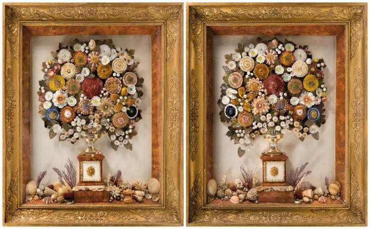 Tableaux de coquillages Paire d'importants et exceptionnels bouquets de fleurs en coquillage sur fonds de feuillages. Ils sont contenus dans une demi coupe vannerie en porcelaine de Paris blanche et or… - Leclere - Maison de ventes - 03/07/2015