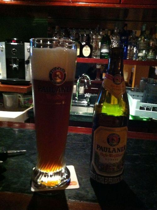 Cerveza Paulaner Hefe-Welβbier Dunkel  Pais: Alemania  Tipo: Dunkel  Porcentaje de Alcohol: 5.3%  Ver reseña: http://cepasdestiladosfermentados.tumblr.com/post/22919271235/paulaner-dunkel