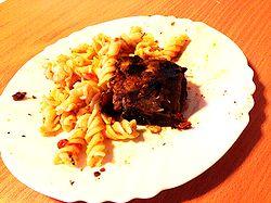 Мясное рагу практически без овощей.