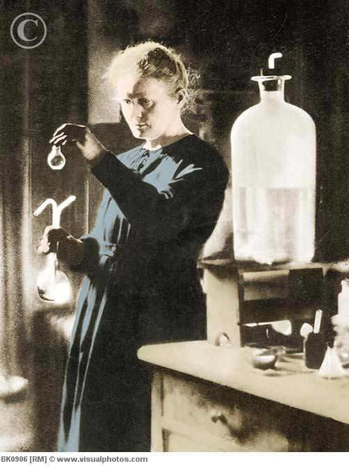"""Marie Salomea Skłodowska Curie (Królestwo, 7 de novembre de 1867 - Passy, France, 4 de juliol de 1934 ) """"Jestem do myślenia, że nauka ma wielkie piękno naukowiec w laboratorium jest nie tylko technika:. Jest również dziecko umieszczone przed zjawisk naturalnych, które na nim wrażenia jak z bajki."""""""