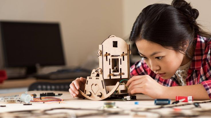 A modular program of more than 25 playful, well-documented projects for students. Free on-demand webinar.