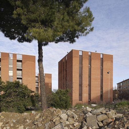 """Massimo Carmassi, residenze a Livorno Quartiere """"Shanghai""""."""