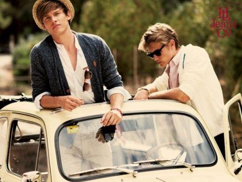 Beautiful men: A Mini-Saia Jeans, Beaches, Vw Bugs, Fashion Style, Straws Hats, Boys, Coastal Style, Men Fashion, Boyfriends