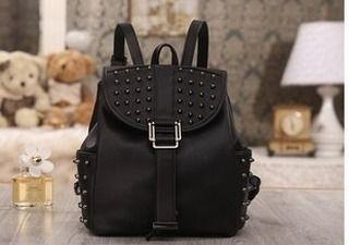 Tas Punggung Wanita  Simple set D 2255 Tas bisa di jinjing dan backpack Stock : Batam Warna : Black  material : pu Size : 24x14x25.5 Berat : 1.100gr price : 205rb . Contact : Www.dapurtas.com  Tokopedia : dapurtas IG : dapurtas11  bbm : 5b504941 wa & sms : 0818 0611 2417 . .  #pouchbag #goodiesbag #geschenk #giftideas #italy #photo #cadeaux #shoponline #weddinggift #interiordesign #shareyoursociety6 #mothersdaygift #artprints #interieur #towels #beach #mugs #wallart #makeupbags #bathmath…