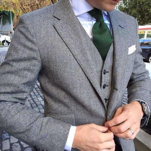 Awesome Autumn style: Dapper 3-piece Tweed suit with subtle herringbone pattern, classic white shirt, white pocket square, and hunter green knit silk tie.