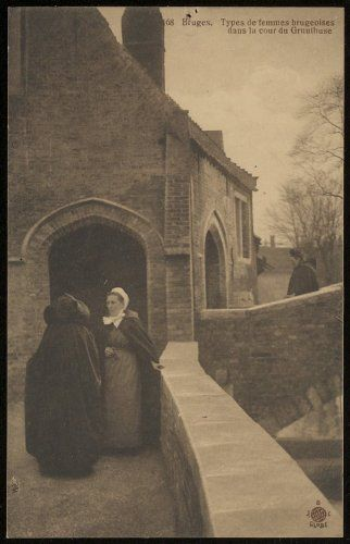 We hebben een gedeeltelijk zicht op de Bonifatiusbrug. Links zien we de achter- en zijgevel van een huis gelegen in Groeninge op nr. 2. Deze langsgevel dateert van de 17de eeuw. Let even op de Brugse vrouwen met een kapmantel, een pijpemuts en een blauwe voorschoot.
