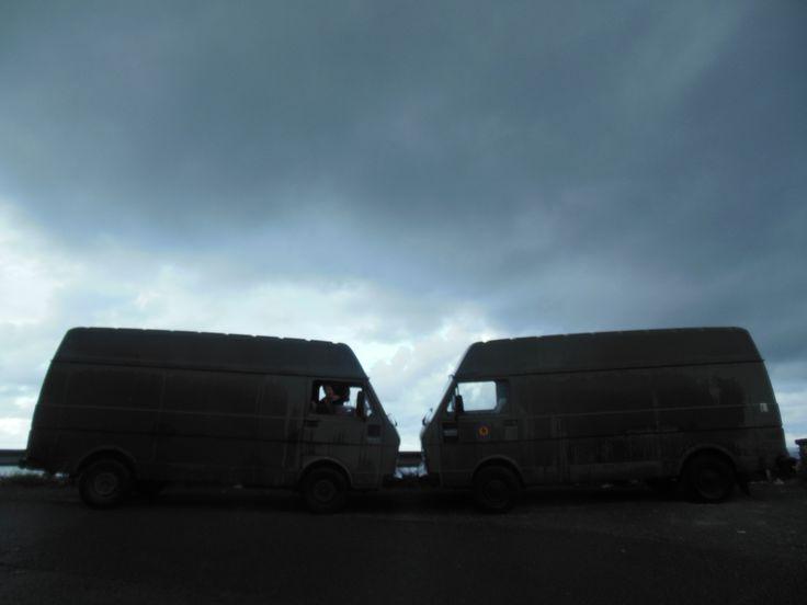 wij zijn twee koppels met dezelfde LT 35, beide van het Belgisch leger!  de foto is genomen tijdens de road trip richting Portugal   (Michelle)