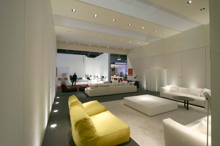 Perfect blend of yellow Zoe and white Elliot at Salone del Mobile 2007