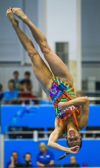 Grazia, stile, precisione, potenza: così Tania Cagnotto si è confermata la regina europea dei tuffi dal trampolino, vincendo tre medaglie d'oro agli Europei 2015 di Rostock battendo tutte le concorrenti da un metro, nel sincronizzato con Francesca Dallapè e infien dai tre metri. In q