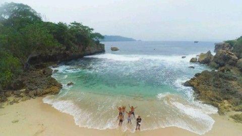 Pantai Sambung Satu Lagi Keunikan Pantai Alami di Tulungagung - Jawa Timur