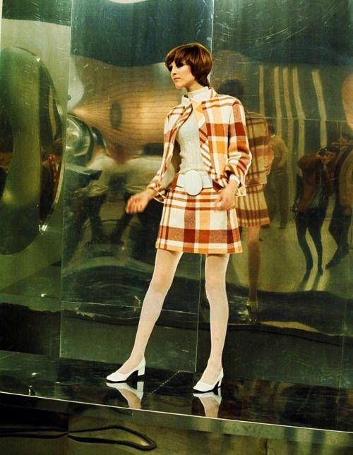 942 best vintage dress 60 39 s images on pinterest vintage fashion fashion vintage and vintage. Black Bedroom Furniture Sets. Home Design Ideas
