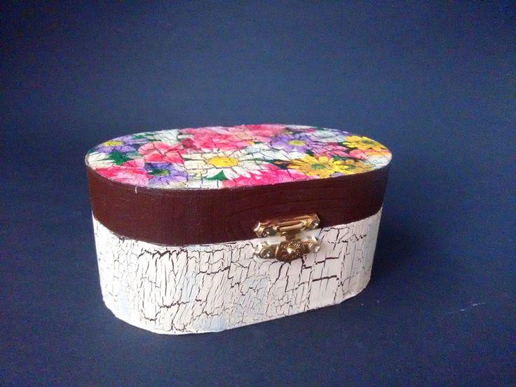 Kisten & Boxen - Holzschatulle Blume - ein Designerstück von Turtle-and-Friends bei DaWanda