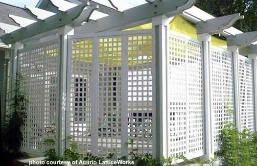 Vinyl lattice panels vinyls colors and patio ideas for Balcony covers for privacy