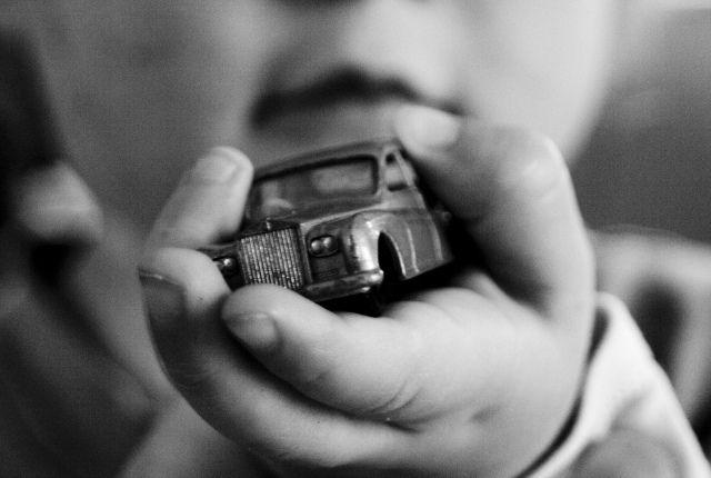 La sicurezza dei bambini in auto: normativa e seggiolini