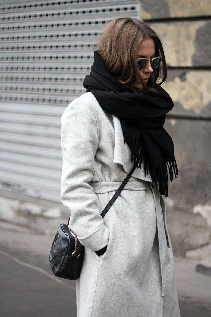 Grey and black Minimal+ classic