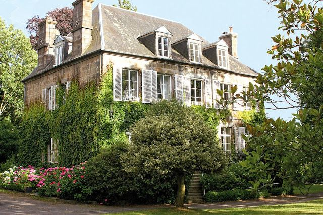 authentic French country architecture - Sharon Santoni