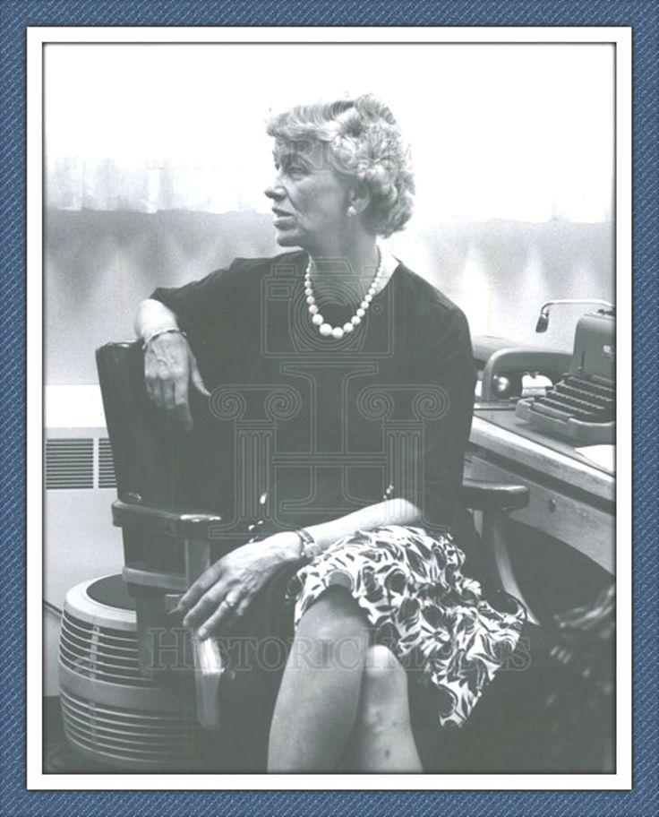 1961 PRESS PHOTO JAMES HALSTED FDR ANNA ROOSEVELT JOB.((Mrs. James Halsted : FDR's charm to new Detroit Job.. Additional Information: james Halsted FDR anna roosevelt job)) ❤❁♛❤✾❤✾❤❁❤❃❤❁♛❤ http://outlet.historicimages.com/search?type=product&q=Anna+Roosevelt+Halsted  http://www.findagrave.com/cgi-bin/fg.cgi?page=gr&GRid=8628  http://www.fdrlibrary.marist.edu/aboutfdr/biographiesandmore.html  http://en.wikipedia.org/wiki/Anna_Roosevelt_Halsted